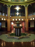Nice picture of the fountain showing the original chequered floor